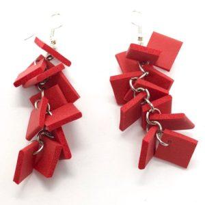 Earrings design in neoprene colore rosso