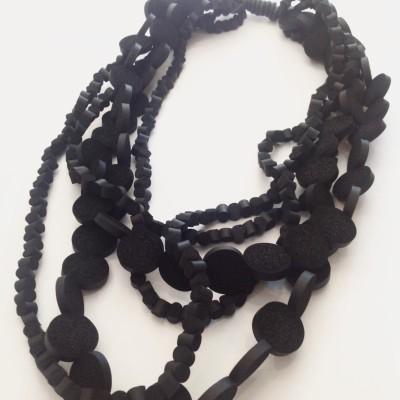 Collana fashionstyle in neoprene colore nero