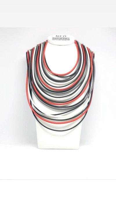 collana neo rossa e nera